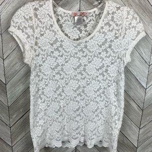 White lace shirt sleeve T-shirt. Size  small